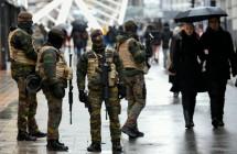 828845-des-soldats-patrouillent-dans-une-rue-commercante-de-bruxelles-le-21-novembre-2015