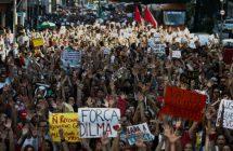 manifestacion-pide-regreso-dilma-rousseff-poder-brasil_1_2361022